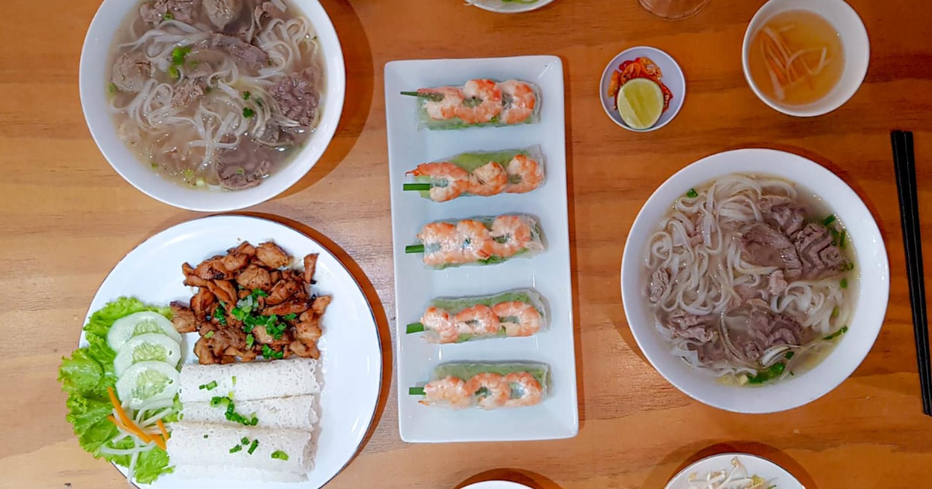 Hidangan yang disajikan di Pho Saigon dekat Stasiun Mangga Besar. (Dok. pribadi)