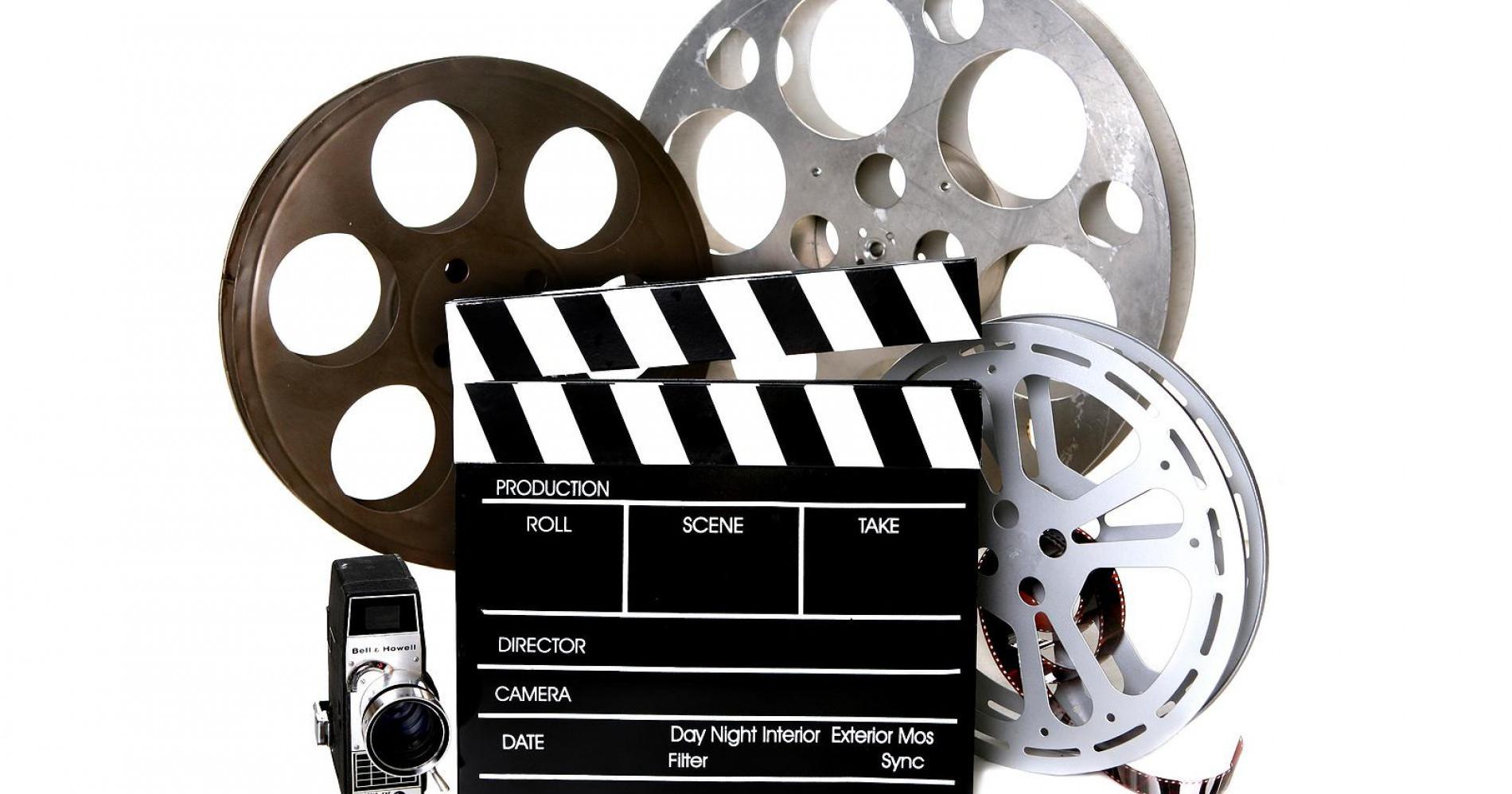 Ilustrasi gulungan film, kamera dan cleeperboard (Sumber gambar : Indonesia.go.id)