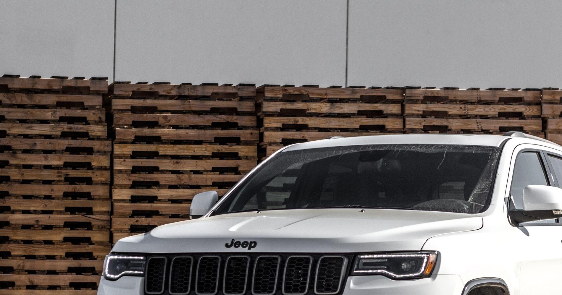 Jeep - Canva