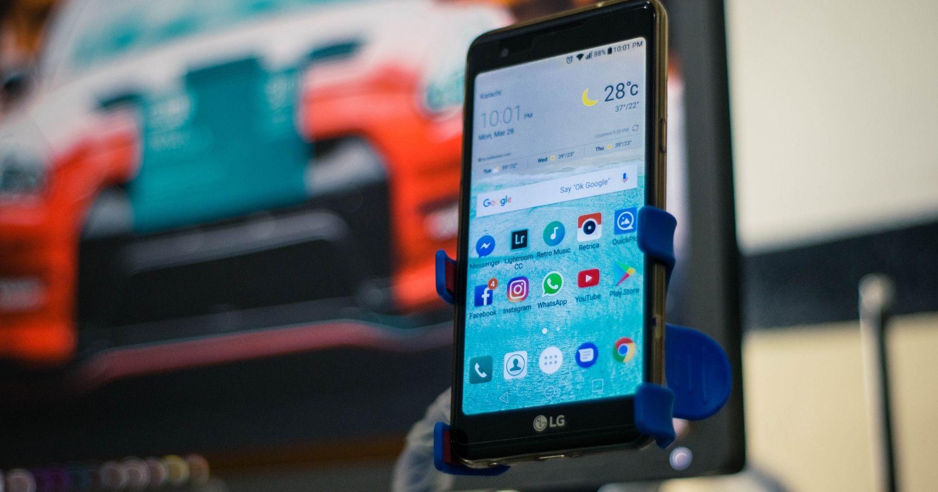 LG Hentikan Bisnis HP- Canva
