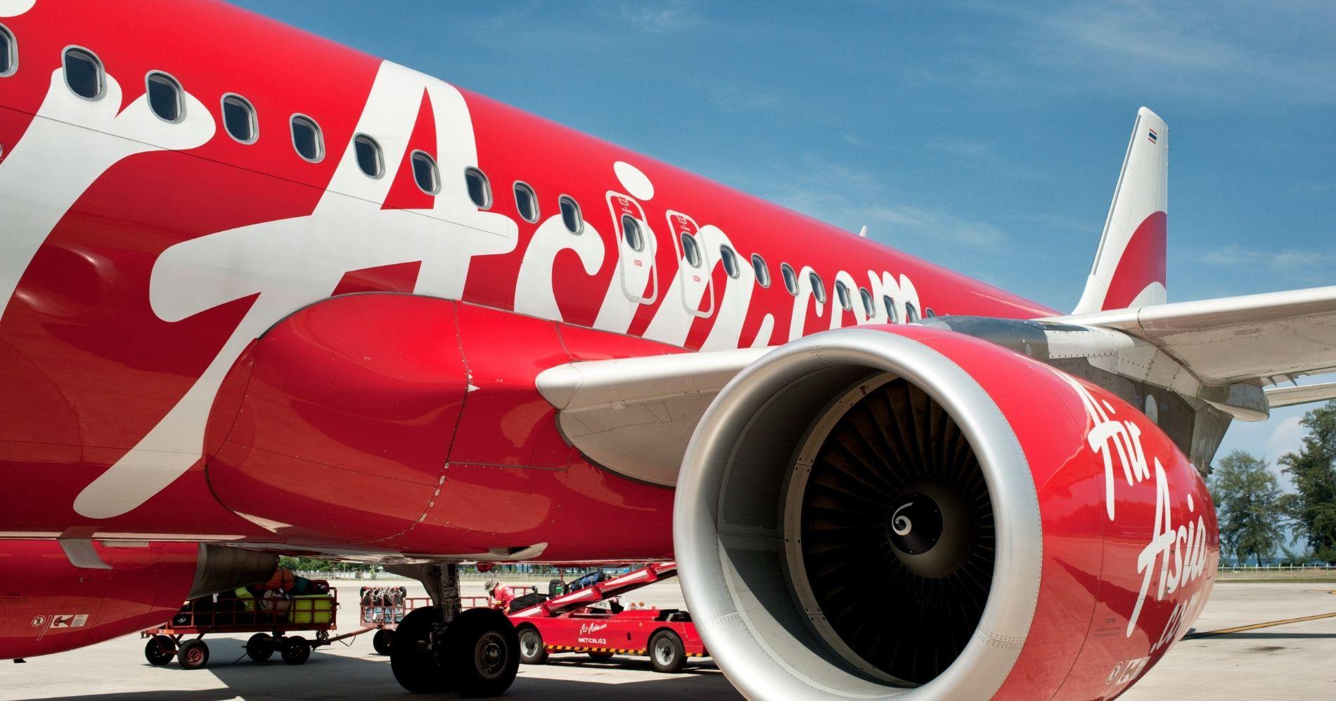 Air Asia Coba Bisnis Ojol Illustration Web Bisnis Muda - Canva