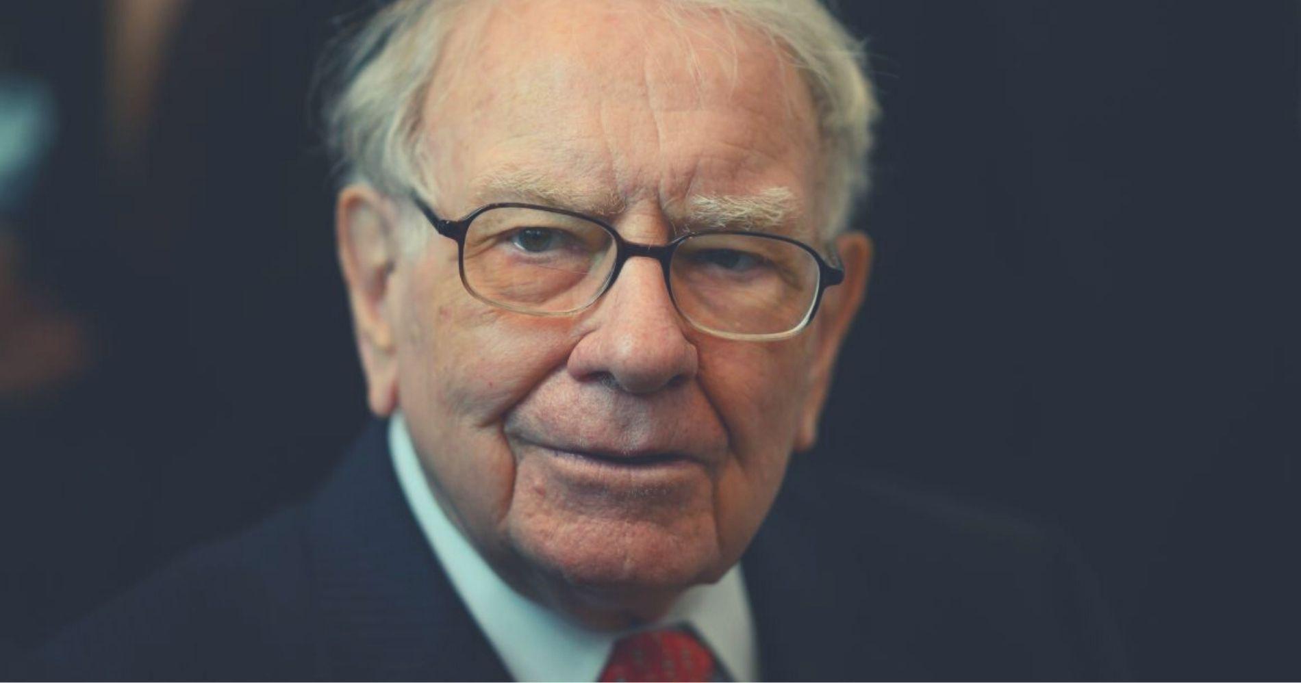 Warren Buffett Akui Kesalahan Investasi Bekshire Illustration Web Bisnis Muda - Canva