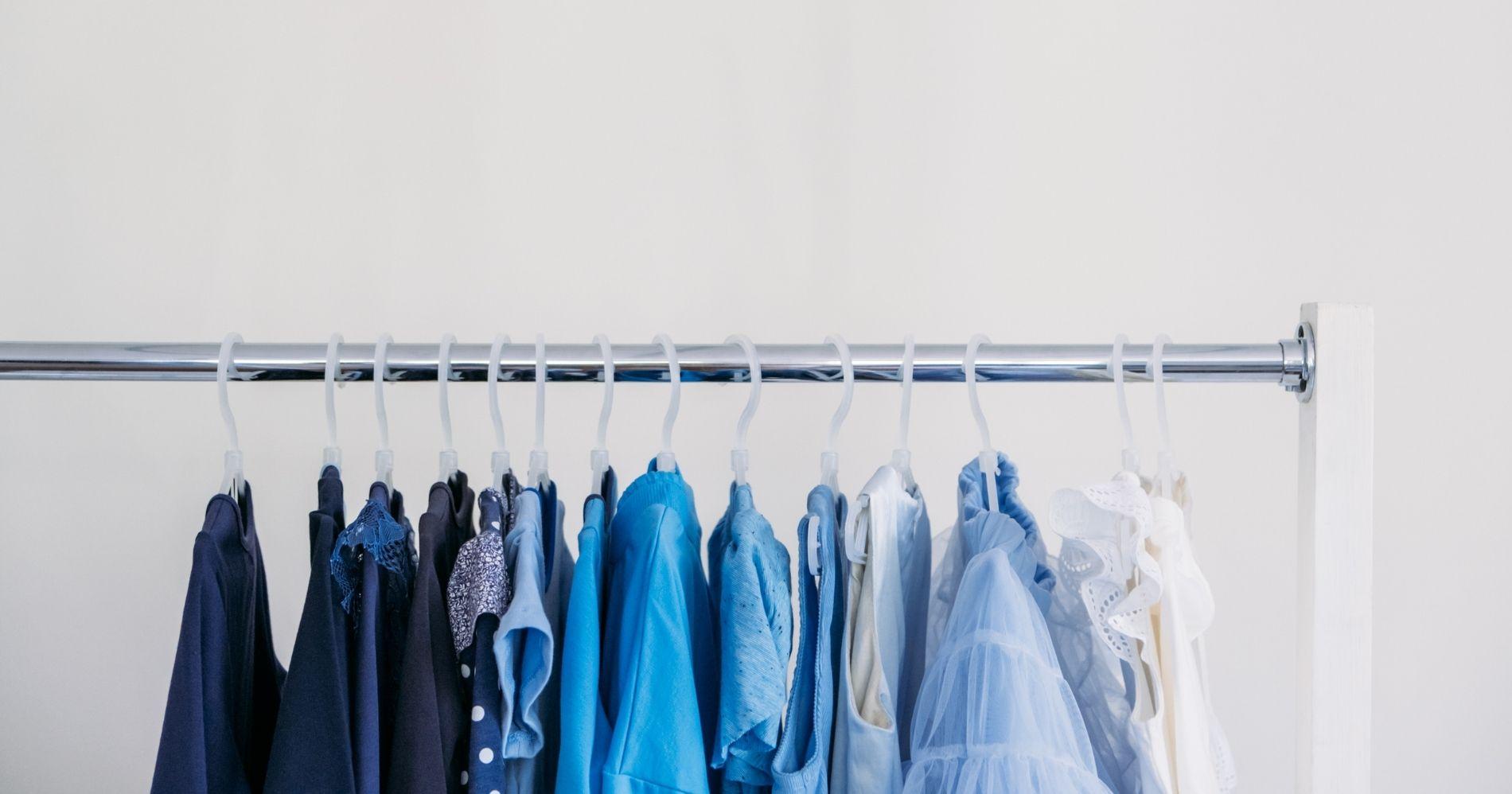 Sustainable Fashion Illustration Web Bisnis Muda - Canva