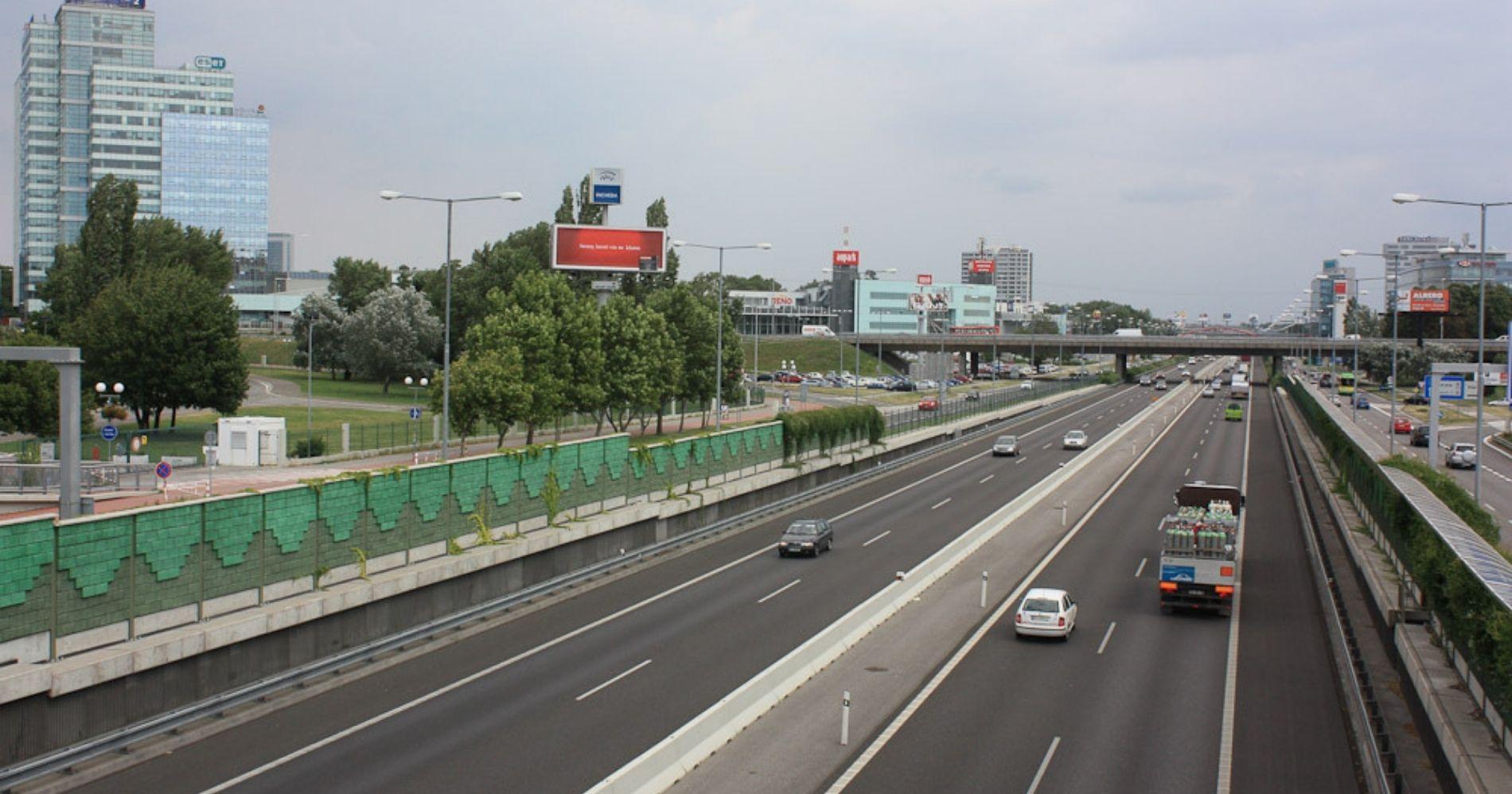 Traffic illustration Web Bisnis Muda - Image: Flickr