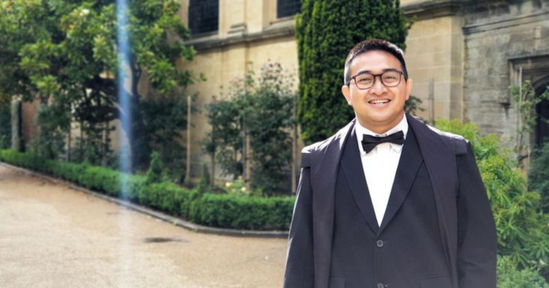 Indra Rudiansyah, WNI yang ikut serta dalam penelitian dan pembuatan Vaksin AstraZeneca. University Oxford, Inggris.