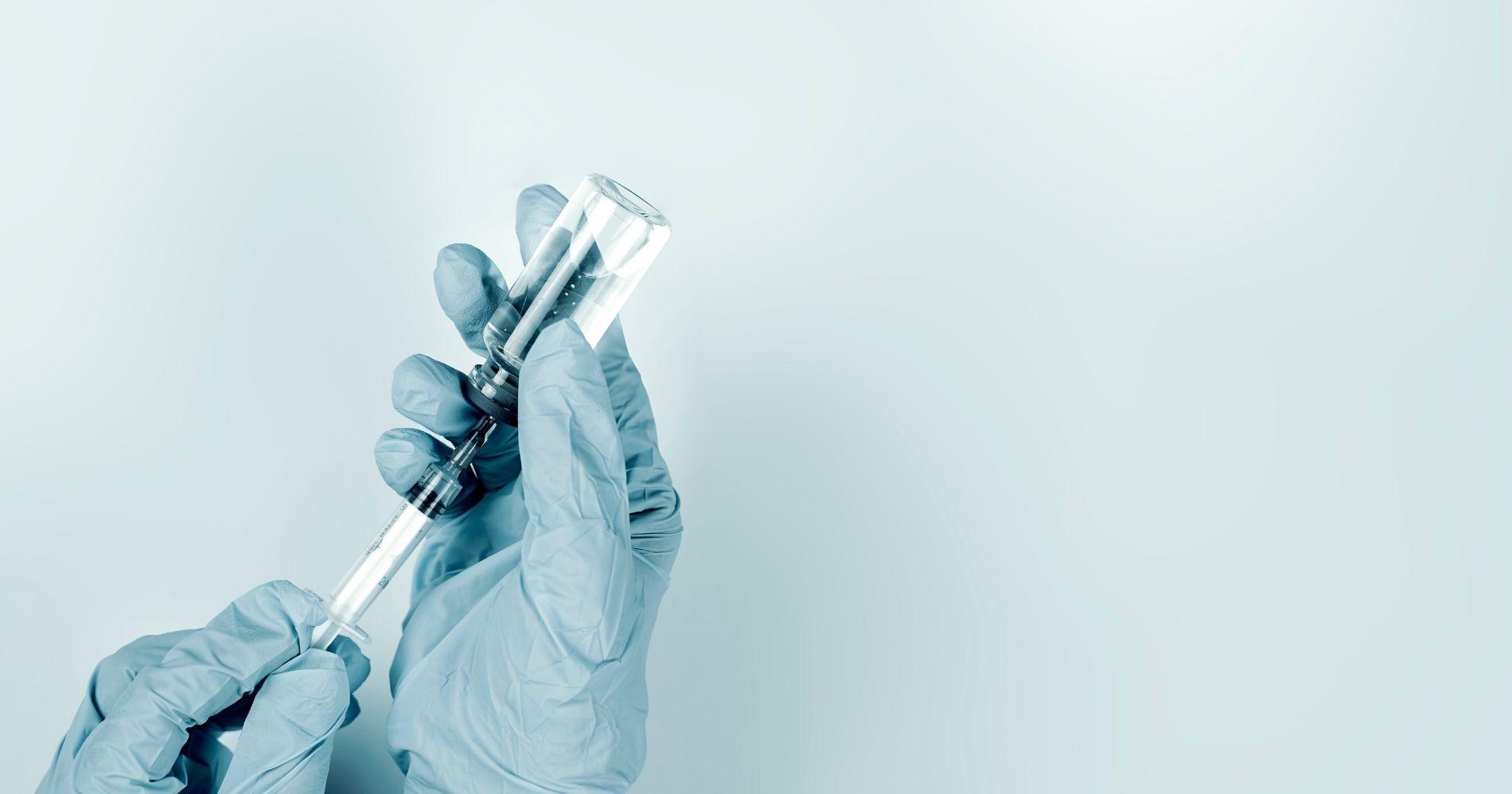 Vaccine Illustration Bisnis Muda - Canva