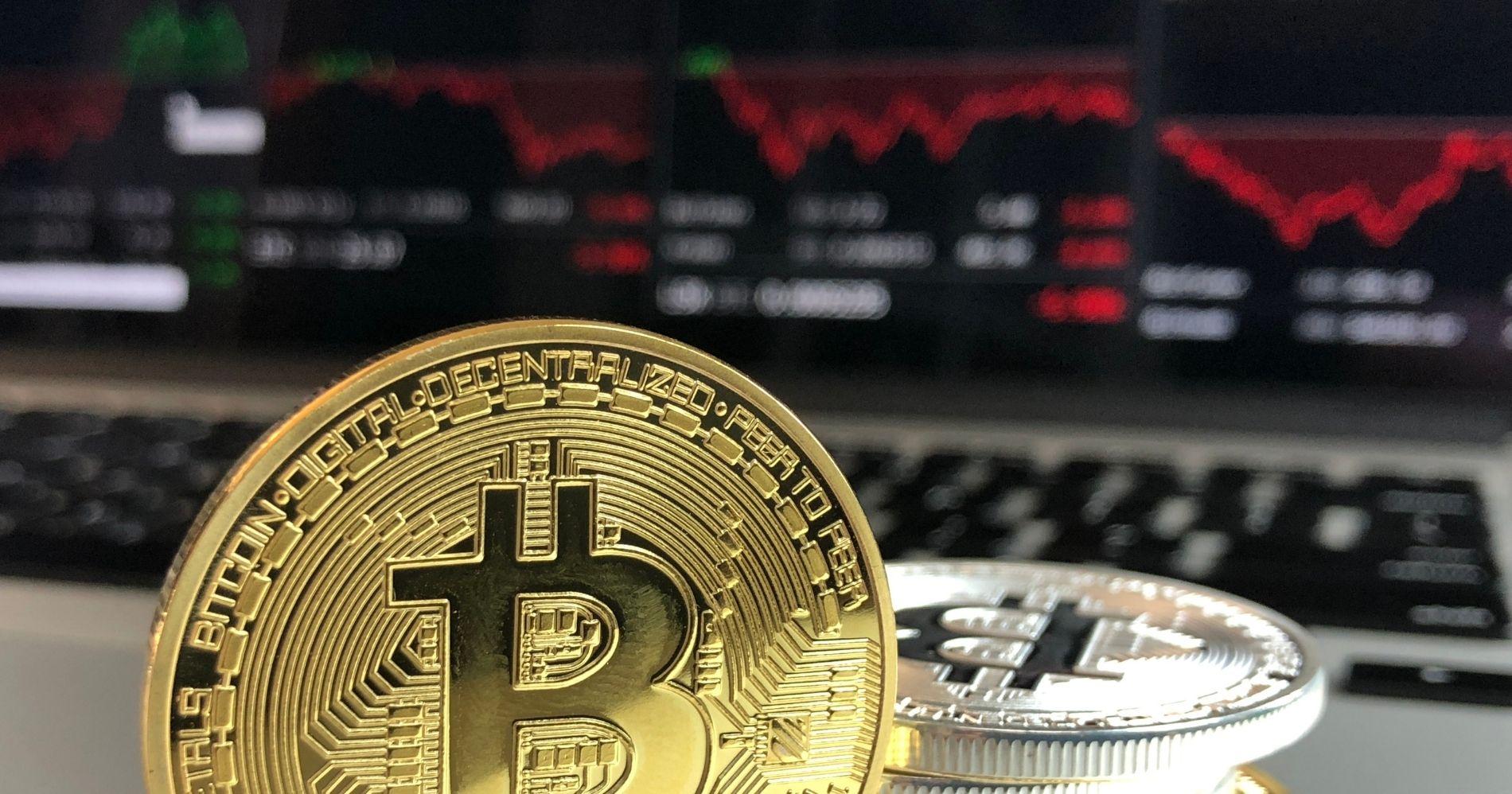 Kenapa Bitcoin Turun di Hari Pertama Digunakan El Salvador Illustration Web Bisnis Muda - Image: Canva