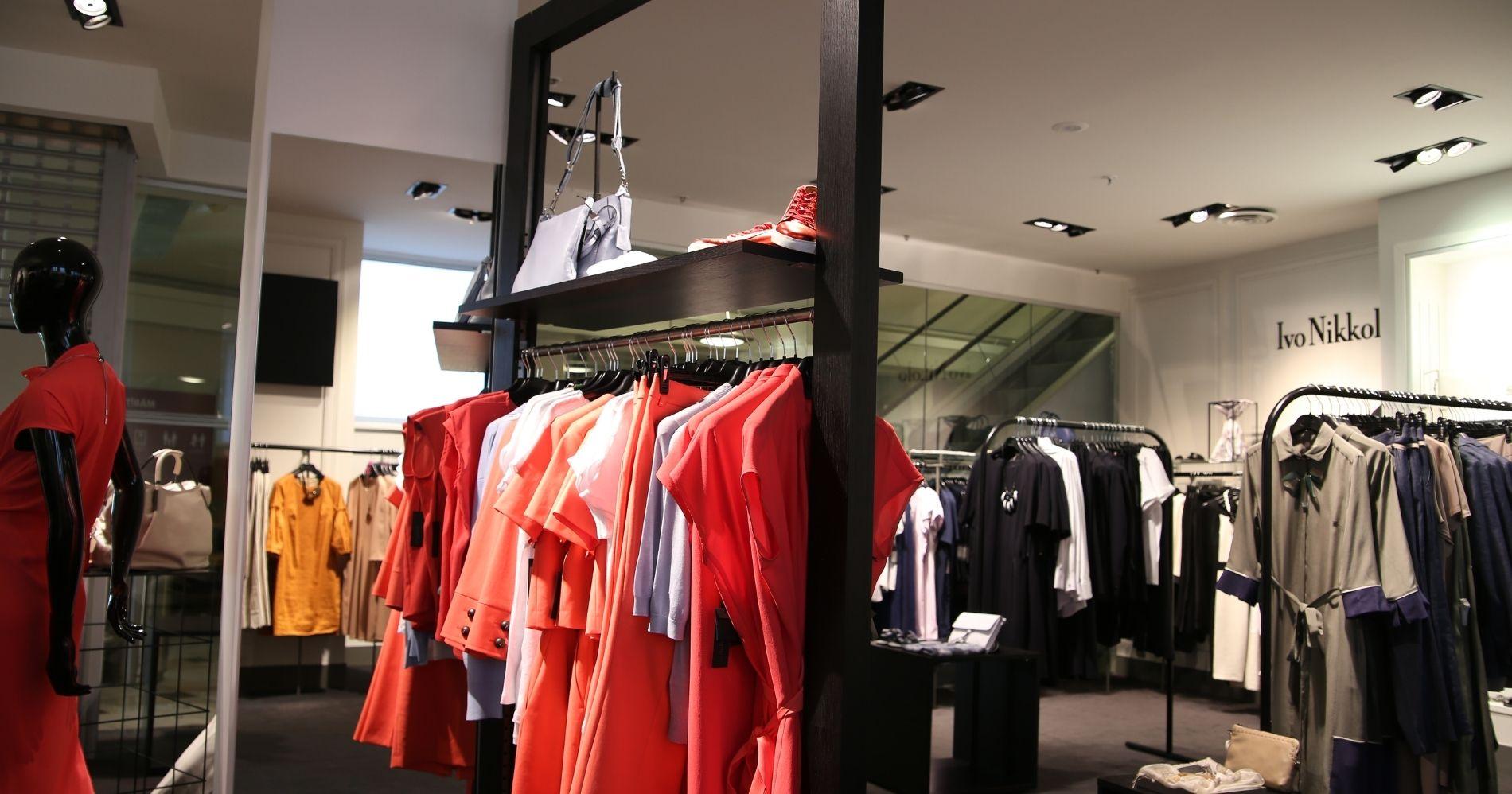 Ilustrasi Gambar Pakaian yang Terkenal - Bisnis Muda - Canva.com