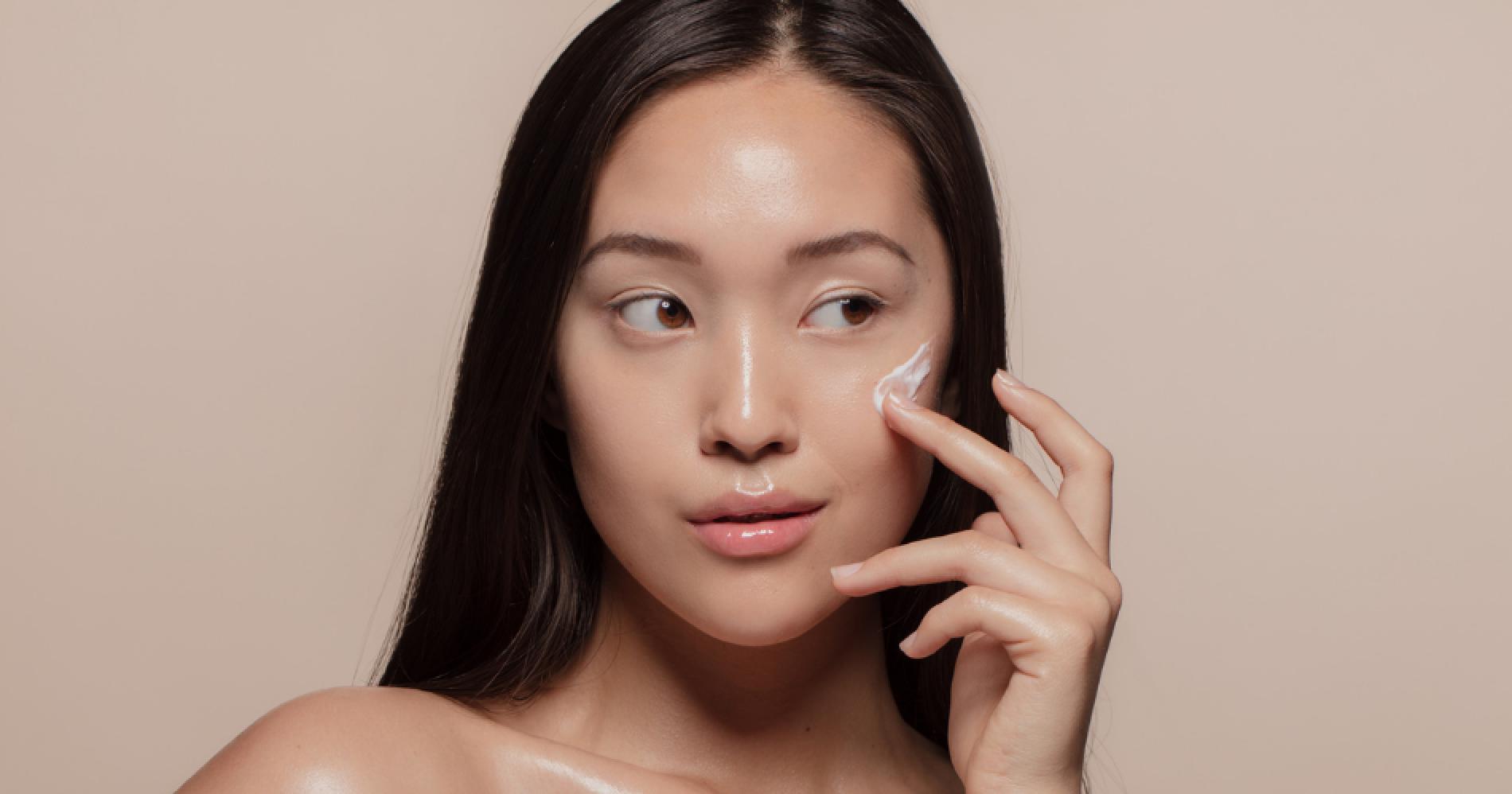 Beauty Illustration Web Bisnis Muda - Canva